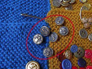Buttons brass 1