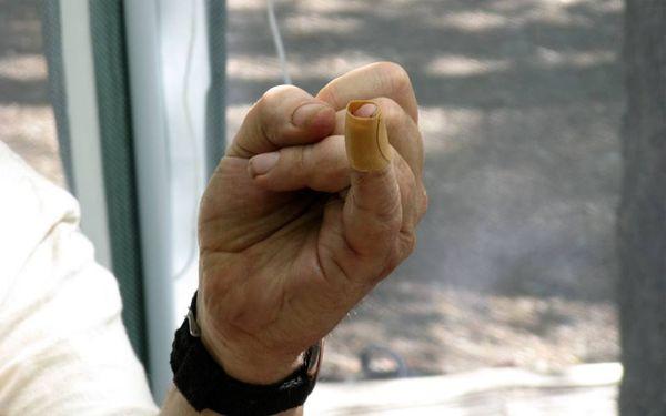 Fail finger