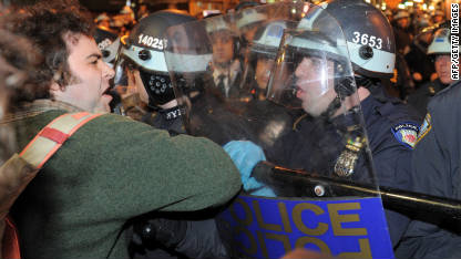 111115023057-occupy-wall-street-crackdown-c1-main
