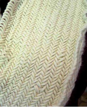 Cowl herringbone