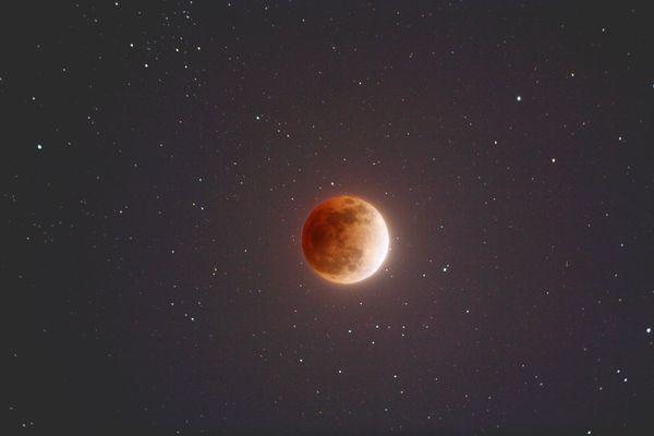 Lunar eclipse sky