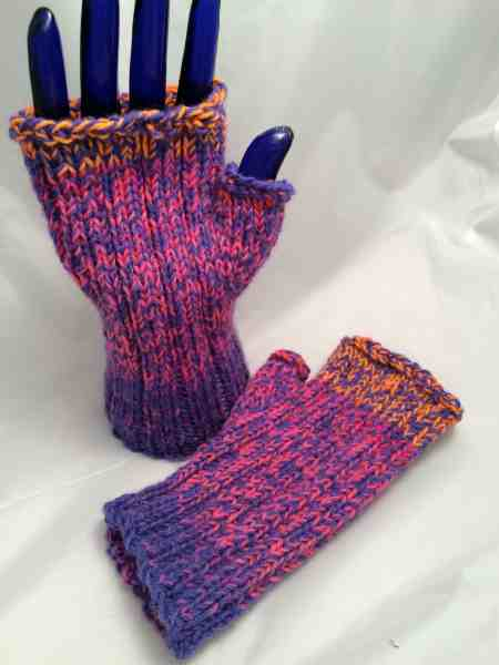 Fingerless pink purple