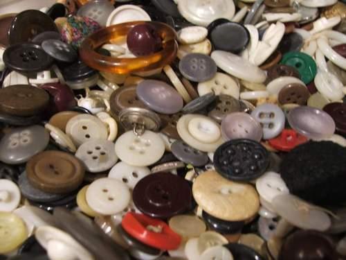 061230_buttons_closer