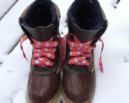 070121_boots_still
