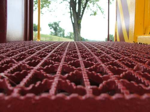 070828_red_grate_2