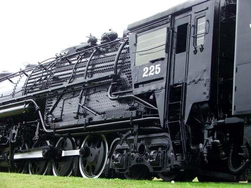 070828_train_side