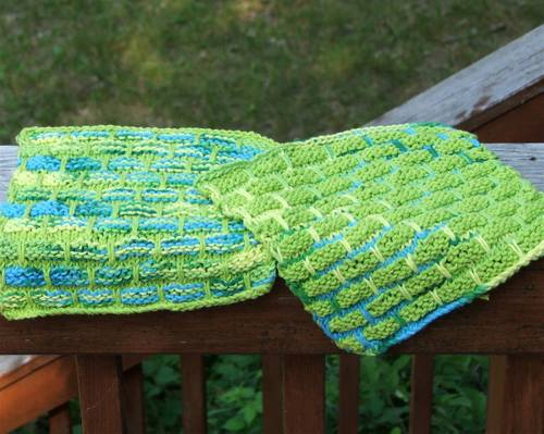 Warshcloths, lime green and turquoise.